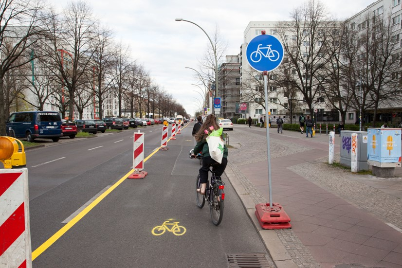 Photo showing temporary cycling infrastructure in Berlin being used by cyclists. Credit: Frank Masurat. Published under the unconditional Creative Commons CC0 1.0 Universal license